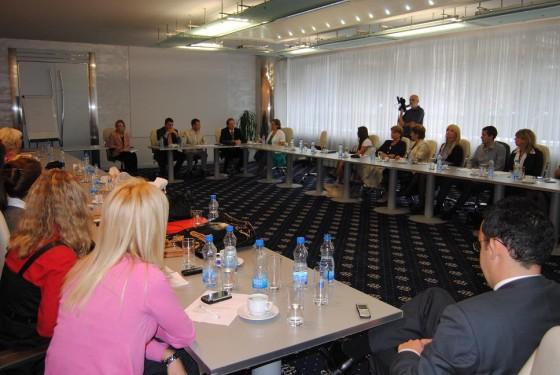 Успостављање и развој професионализма у систему јавних набавки у Србији